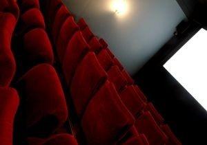 Hyytävät luvut lehtimainonnasta - kasvu jatkuu elokuvissa ja verkossa (300 x 211)