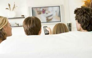 Isot mainostajat uskovat yhä televisioon (300 x 189)