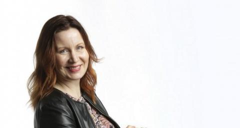 Nora Varjamasta Into Kustannuksen viestintä- ja markkinointipäällikkö (800 x 1000)