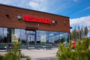 Hesburger valmistaa hampurilaisia aurinkoenergialla: