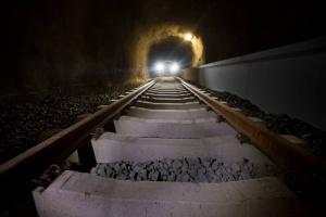 Suurten toiveiden tyhjä tunneli (800 x 534)