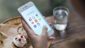 Rahaa perheelle tai ystävälle somessa? Facebookin Messengeriin avautui kansainvälinen rahansiirto-botti (800 x 453)