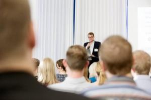 Juha Sipilä luopuu omistajaohjauksesta - elinkeinoministeri Mika Lintilä ottaa kopin (800 x 534)