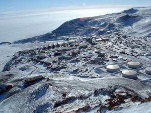 Matkustajakone laskeutui Etelämantereen jäätikölle – 3 Antarktiksen suosituinta turistikohdetta (800 x 600)
