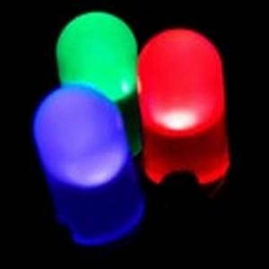 Vähemmän lämpöä, kompaktimpi valaisin - LED-lamppujen hinta murto-osaan paremmilla materiaaleilla (800 x 800)