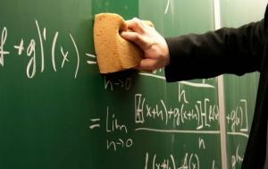 Matematiikan oppii parhaiten itse: