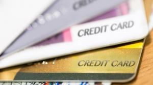 Kysely: Korttimaksaminen suomalaisille vasta toiseksi suosituin maksutapa verkossa (800 x 446)
