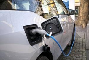 Sähköautojen latauspisteiden määrä kasvoi yli neljänneksellä Saksassa - induktio voisi lyhentää latausaikaa (800 x 535)