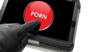 Suomalaisilta vaaditaan 600 euroa pornon lataamisesta – tor-palvelinta ylläpitänyt kieltäytyi maksamasta (300 x 167)