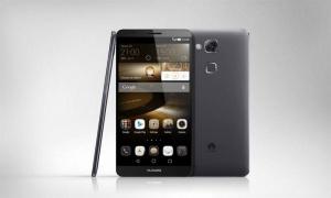 EL: Huawei-pomo kritisoi Nokiaa – kiinnostunut palkkaamaan Microsoftilta irtisanottuja (800 x 480)