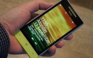 Puhelinvalmistaja tarjoaa tuotteitaan ennakkoon testikäyttäjille (800 x 505)