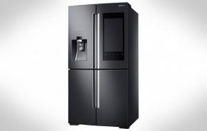 Älykäs jääkaappi liian ruma koteihin? Ihmiset nauravat ja osoittavat sormella (800 x 506)