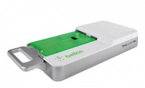 Näin suojaat kännysi näytön pienellä teollisuusprässillä (800 x 486)